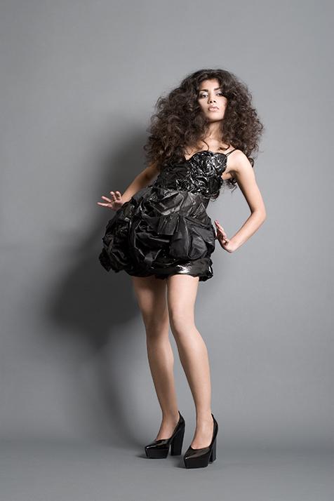 Model Mamira